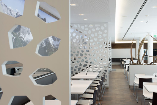 490_CH_06 Canteen for Rohde & Schwarz / landau+kindelbacher Architekten Innenarchitekten Architecture