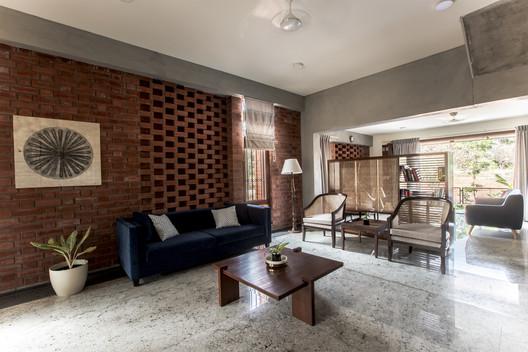 12 Corbel House / Kamat & Rozario Architecture Architecture