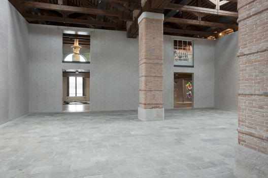 03_Museum_of_Punta_della_Dogana_Tadao_Ando_%C2%A9Luca_Girardini Tadao Ando's Punta Della Dogana Museum Through the Lens of Luca Girardini Architecture