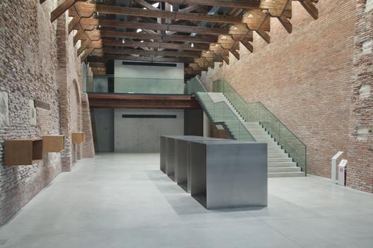 07_Museum_of_Punta_della_Dogana_Tadao_Ando_%C2%A9Luca_Girardini Tadao Ando's Punta Della Dogana Museum Through the Lens of Luca Girardini Architecture