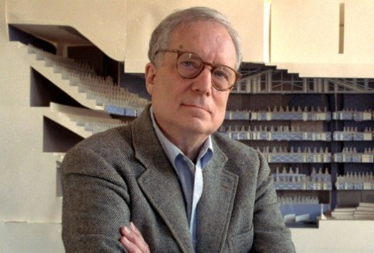 © George Widman/AP Photo. Image Robert Venturi, Pritzker 1991