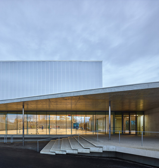 01_ROBERTSAU_%C2%A9Eugeni_Pons 'Human Rights' Sports Center in Strasbourg / Dominique Coulon & associés Architecture