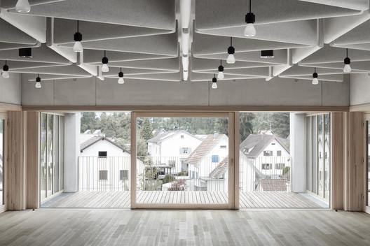 Schule_Schendlingen_Bregenz_6_%C2%A9_Foto_Adolf_Bereuter Schendlingen School / studio bär + Bernd Riegger + Querformat Architecture