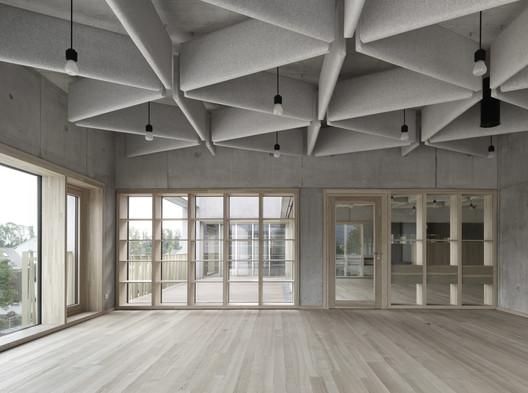Schule_Schendlingen_Bregenz_15_%C2%A9_Foto_Adolf_Bereuter Schendlingen School / studio bär + Bernd Riegger + Querformat Architecture