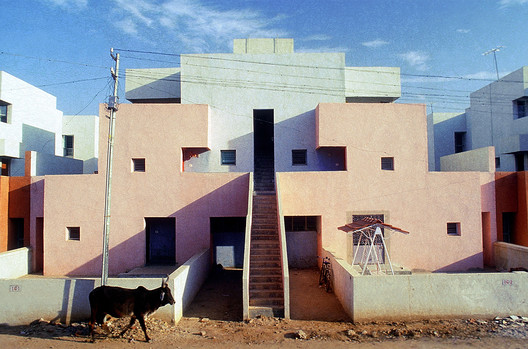 Life Insurance Corporation Housing. Image Courtesy of VSF
