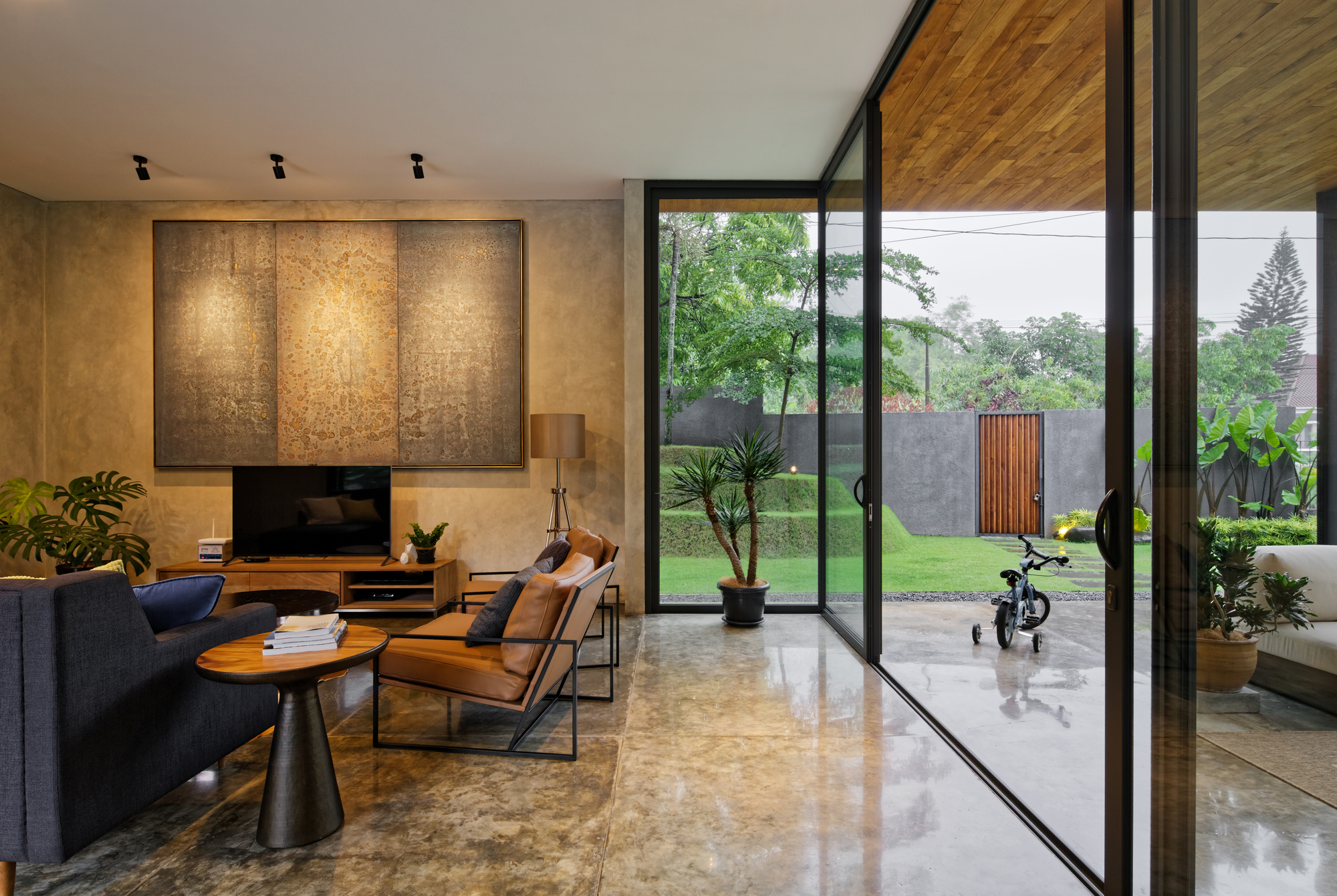 Galeria de Casa Inside Outside  Tamara Wibowo Architects  16