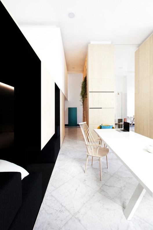 10 Meridionale Fondiaria Real Estate HQ / Tomas Ghisellini Architects Architecture