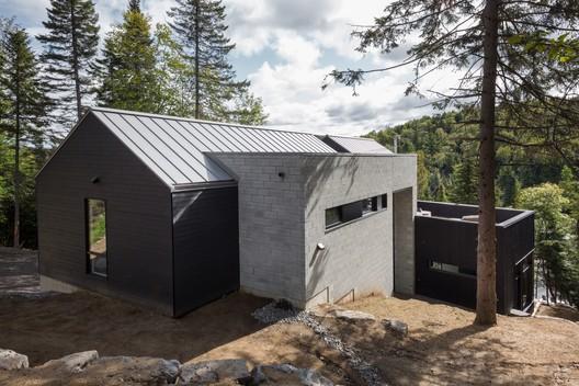 42039-main_1678-3_42039_sc_v2com De La Canardière Residence / BOOM TOWN Architecture