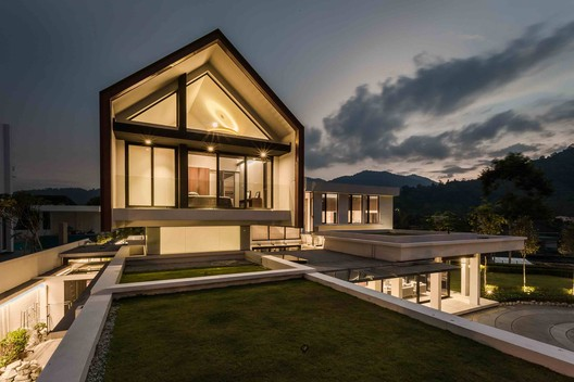 4R MERU House / A3 PROJECT Architecture