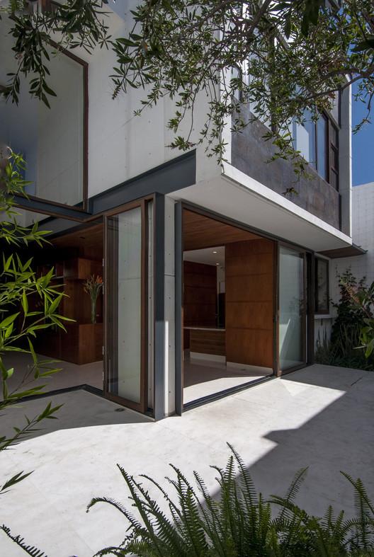 08-CasaTANO TANO House / Eduardo Ramírez Urrea Architecture