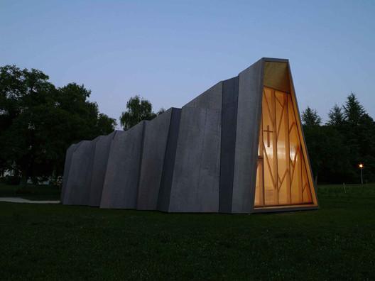 Milo_Keller 13 Impressive Chapels from Around the World Architecture