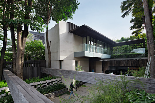 MWP_0358-Edit A Box in Disguise / Wahana Architects Architecture
