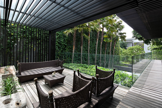 MWP_0621-Edit A Box in Disguise / Wahana Architects Architecture
