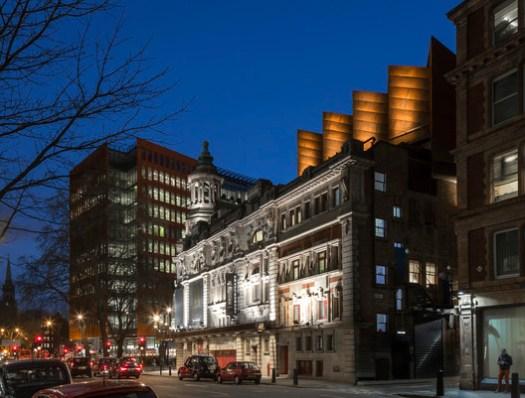 Shaftesbury Theatre / Bennetts Associates. Image © Peter Cook