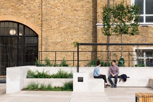 Wilkins Terrace / Levitt Bernstein. Image © Ben Blossom