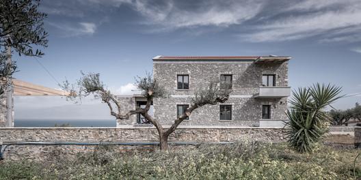 Katsimpiri5_800_2971 Olive and Stone Residence / Nikos Mourikis Architecture
