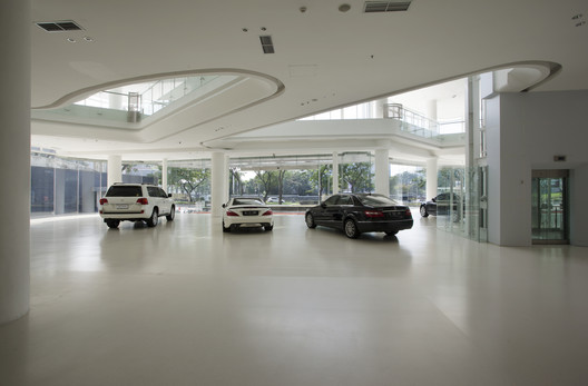 Automotive_gallery_08 Andalan Automotive Gallery and Office / Studio SA_e + Sindhu Hadiprana Design Consultant Architecture