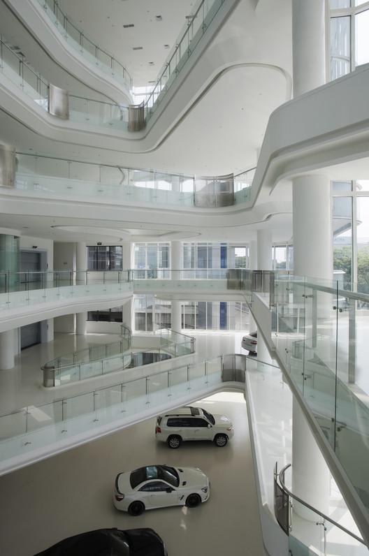 Automotive_gallery_12 Andalan Automotive Gallery and Office / Studio SA_e + Sindhu Hadiprana Design Consultant Architecture