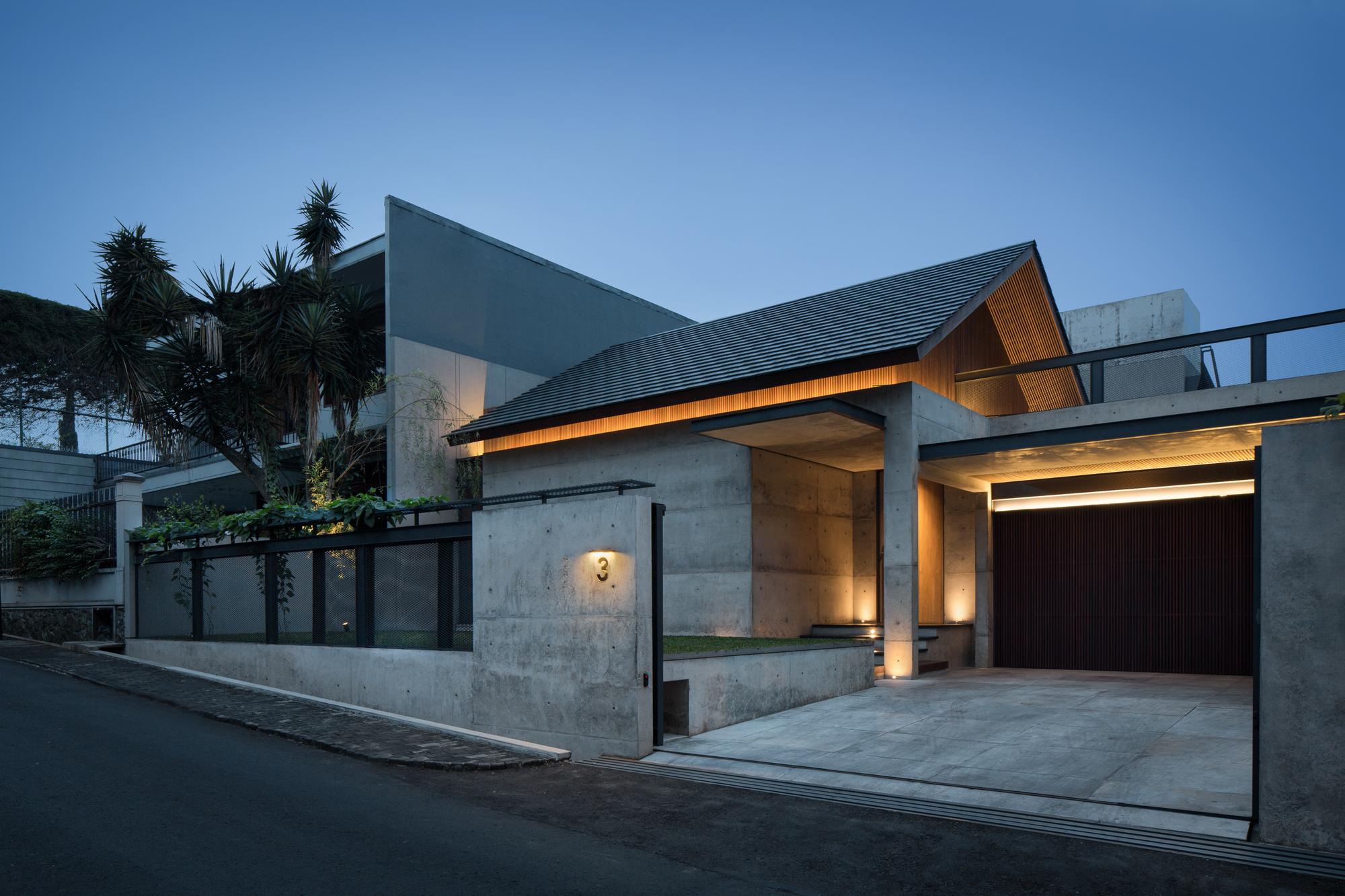 Hikari House Pranala Associates Archdaily