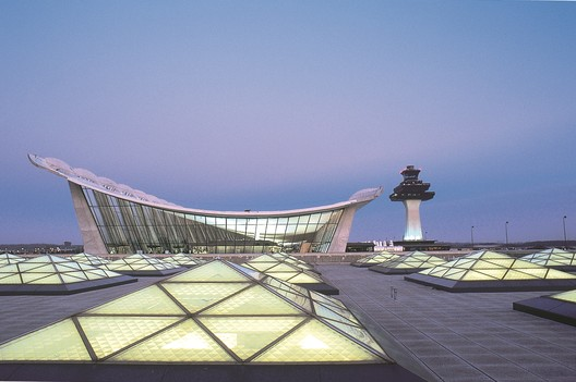 Washington Dulles Internation Airport - Main Terminal Expansion. Image © Rick Latoff