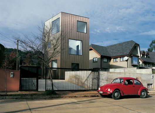 Wolf House / Pezo von Ellrichshausen. Courtesy of  Pezo von Ellrichshausen