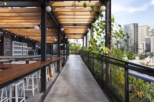 GOOSE_ISLAND_-_SUPERLIMAO_STUDIO-9 Goose Island Brewhouse / SuperLimão Studio + McKinley Burkart Architects Architecture