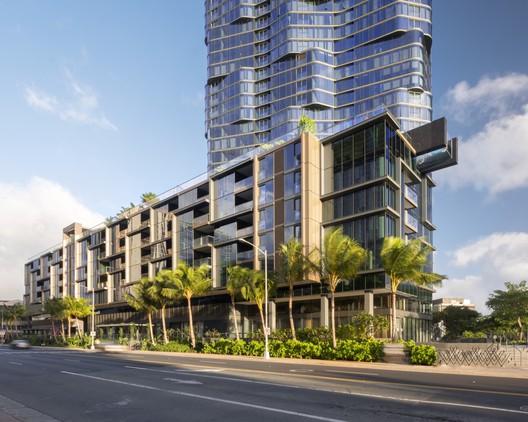 727.005 Anaha / Solomon Cordwell Buenz Architecture