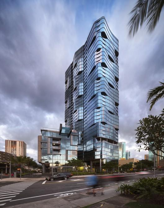 727.077 Anaha / Solomon Cordwell Buenz Architecture