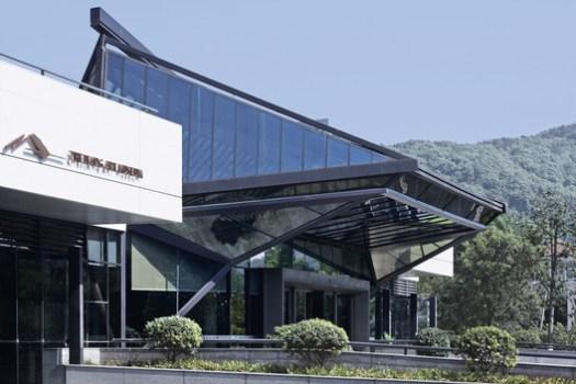 Main entrance. Image © CCTN Design