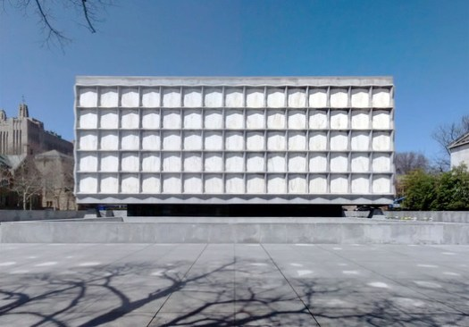 AD Classics: Beinecke Rare Book & Manuscript Library. Image © <a href='https://en.wikipedia.org/wiki/Beinecke_Rare_Book_%26_Manuscript_Library#/media/File:Beinecke-Rare-Book-Manuscript-Library-Yale-University-Hewitt-Quadrangle-New-Haven-Connecticut-Apr-2014-a.jpg'>Wikimedia Commons user Gunnar Klack</a> licensed under <a href='https://creativecommons.org/licenses/by-sa/4.0/'>CC BY-SA 4.0</a>