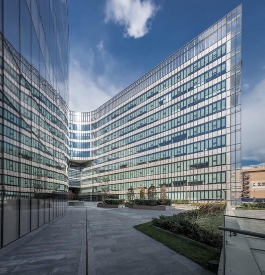 KocUnivHast-Yercekim-3W3A4425-HDR_copy Koc University Medical Sciences Campus / Kreatif Architects + Cannon Design Architecture