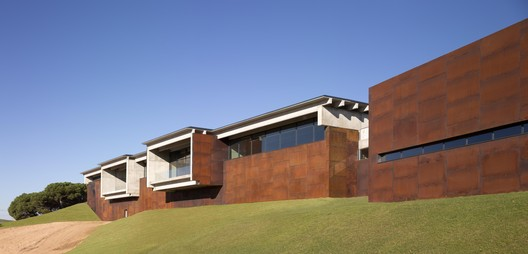 BODEGA_BERONIA_008 Beronia Rueda Winery / IDOM Architecture