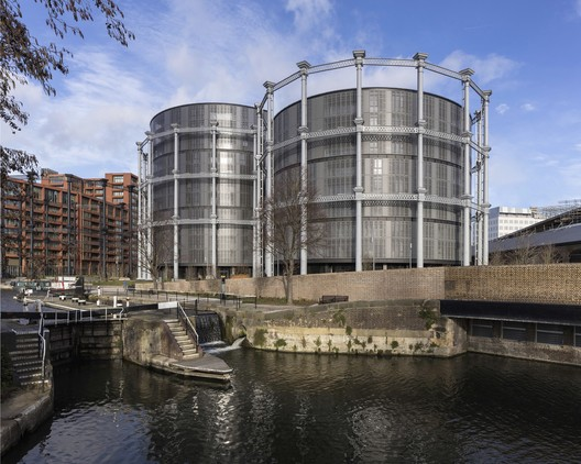 Gasholders London / Wilkinson Eyre. Image © Peter Landers