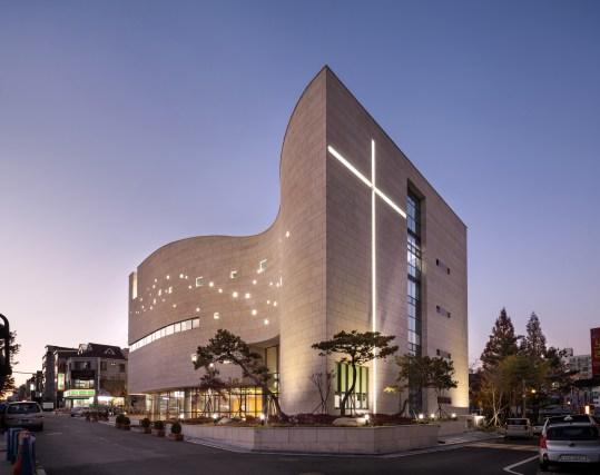 Daejun Holy Light Church / Lee Eunseok + Atelier KOMA | ArchDaily