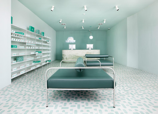 Medly_Pharmacy_Design_4Q2C7592 Medly Pharmacy / Sergio Mannino Architecture