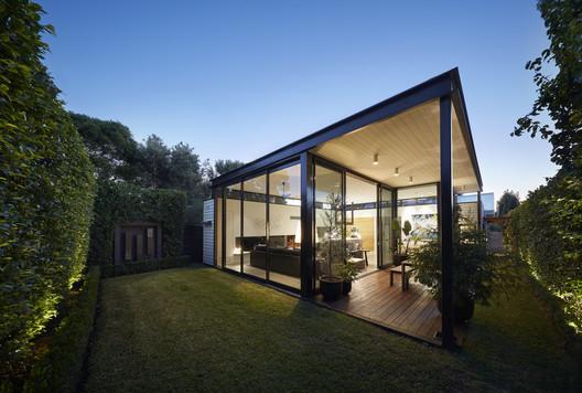 -_Featured_Image Light Box / Damon Hills + Finnis Architects Architecture