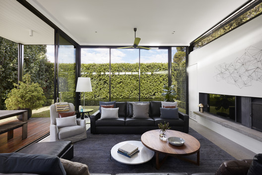 30323 Light Box / Damon Hills + Finnis Architects Architecture
