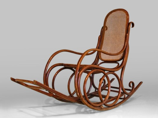 Thonet Rocking Chair. Image © Dominik Matus / Wikimedia Commons / CC-BY-SA-3.0