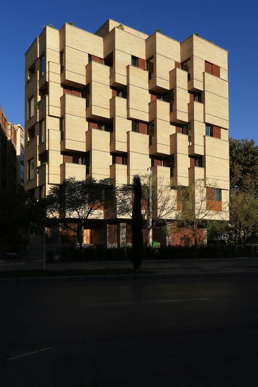 00_(7) Khab-e-Aram Residential Complex / USE Studio Architecture