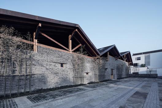 06_photographer_Fan_Yi Dongziguan Villagers' Activity Center / gad x line+ studio Architecture