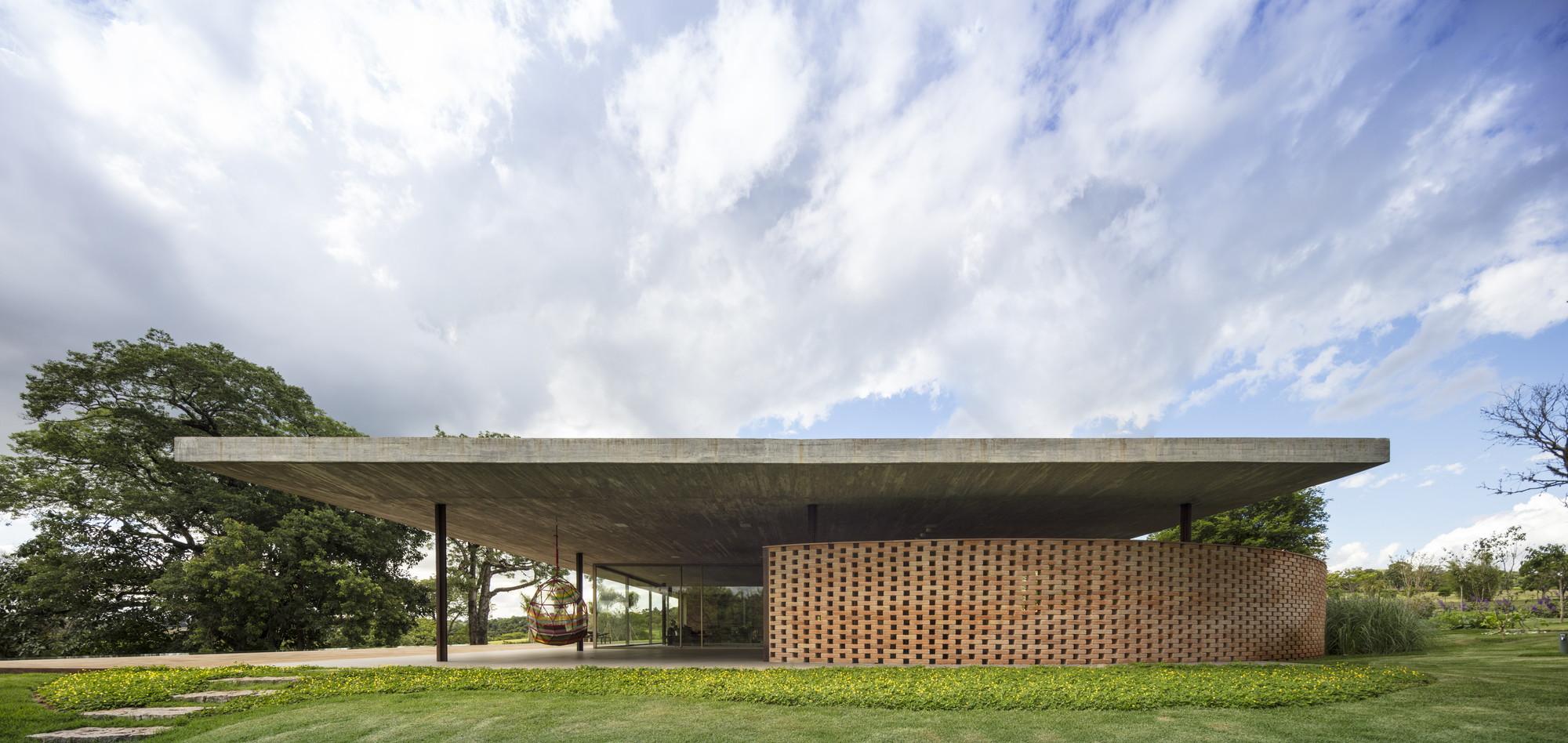 Planar House Studio Mk27 - Marcio Kogan Lair Reis