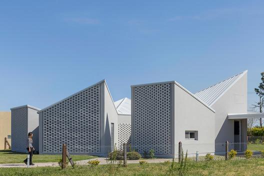 Casa_Inclompleta_WEB_%C2%A9_Ramiro_Sosa_(21) Incomplete House / estudio relativo Architecture