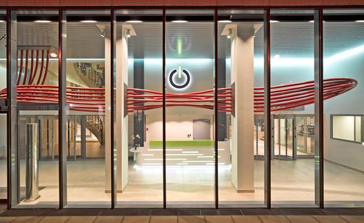 Global_Switch_Reid_Brewin_Architects_10 Global Switch Data Centre / Reid Brewin Architects Architecture