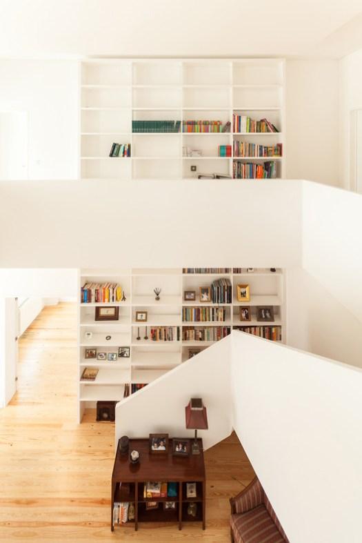 Casa em Estoril / TARGA atelier. Image © Francisco Nogueira