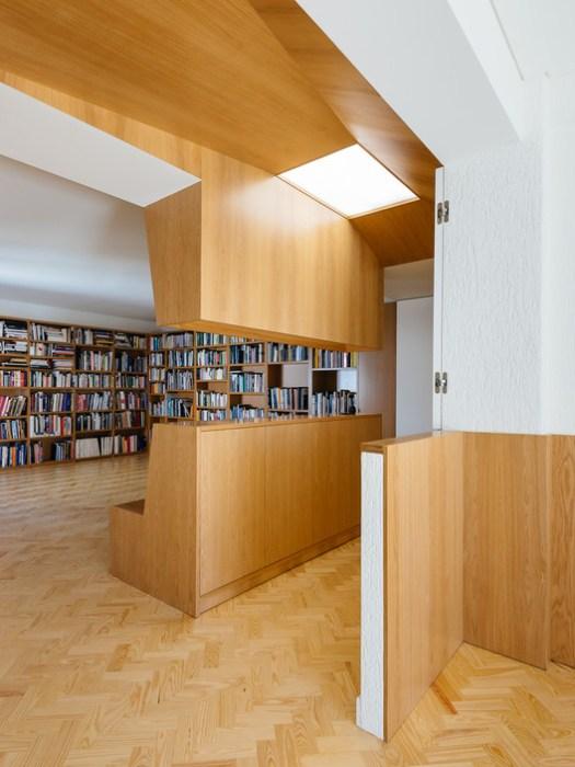 Apartamento na Luciano Cordeiro / Aurora Arquitectos. Image © do mal o menos