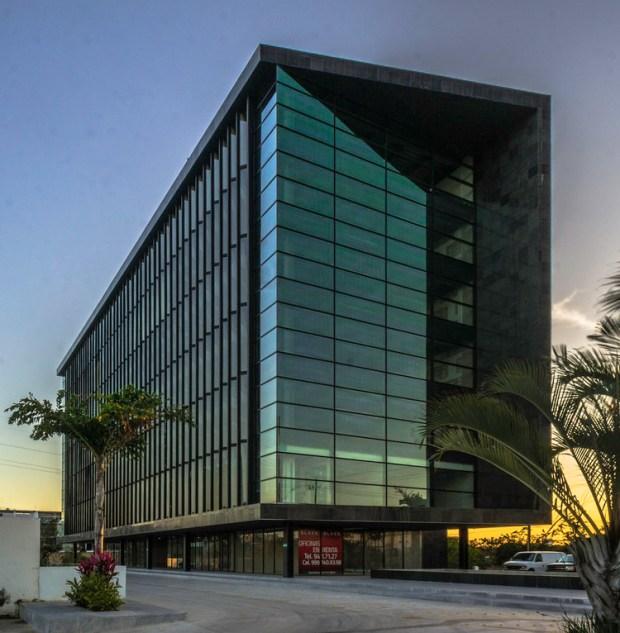 Torre Black / Muñoz Arquitectos. Image © David Cervera