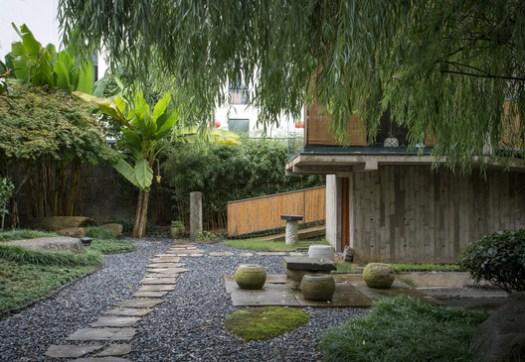 Courtyard. Image © Ryan Chiu