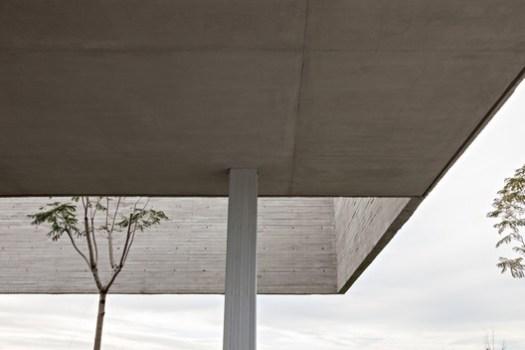 Lamas House / moarqs + OTTOLENGHI architects. Image © Albano Garcia