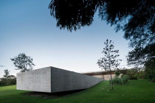 Casa Reduz / Studio MK27. Image © Fernando Guerra | FG+SG