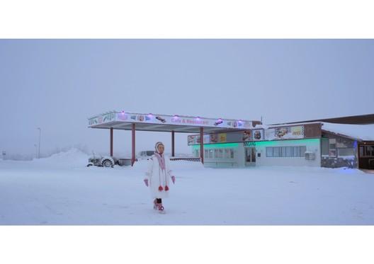 Nomadic Woman. The Human Shelter. Image Courtesy of Boris Bertram